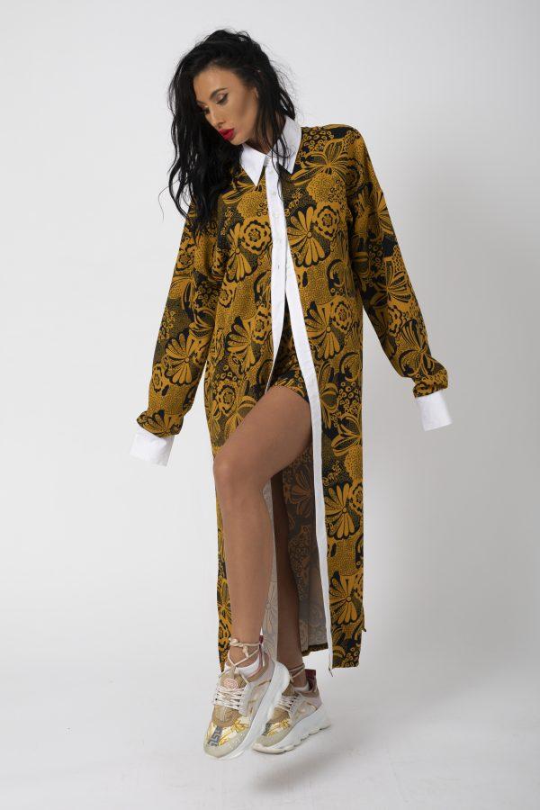 Compleu Imprimeualcatuit din Camasa si Pantalon este format din camasa cu crapaturi laterale cu nasturi inama in zona taliei si pantalon scurt cu falduri false.. Colectie EVolution by SeenBrands
