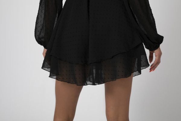 Rochie asimetrica Adriana Neagra potrivita pentru a fi purtata la evenimente precum nunta, botez, zi aniversara, etc cat si la o iesire in club cu prietenii. 2