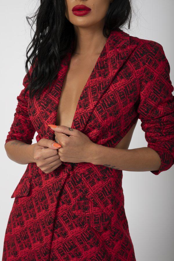 Sacou Madena Blaizar Dress potrivita pentru a fi purtata la evenimente precum nunta, botez, zi aniversara, etc cat si la o iesire in club cu prietenii. 1